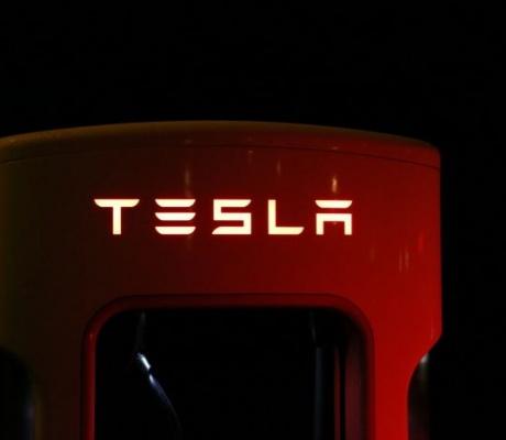 Tesla po drugi put od osnutka ostvarila više od milijarde USD neto prihoda