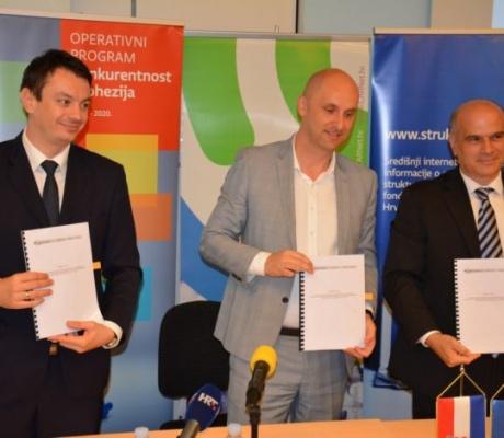 CARNet dobio 227 milijuna kuna za razvoj digitalno zrelih škola