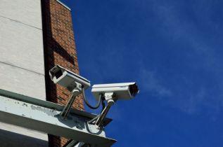 Huaweijev zaposlenik pritvoren zbog sumnje na špijunažu