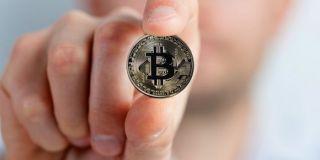 Bitcoin premašio 8000 dolara