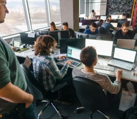 Velik interes mladih za Axilis radionicu JavaScript School